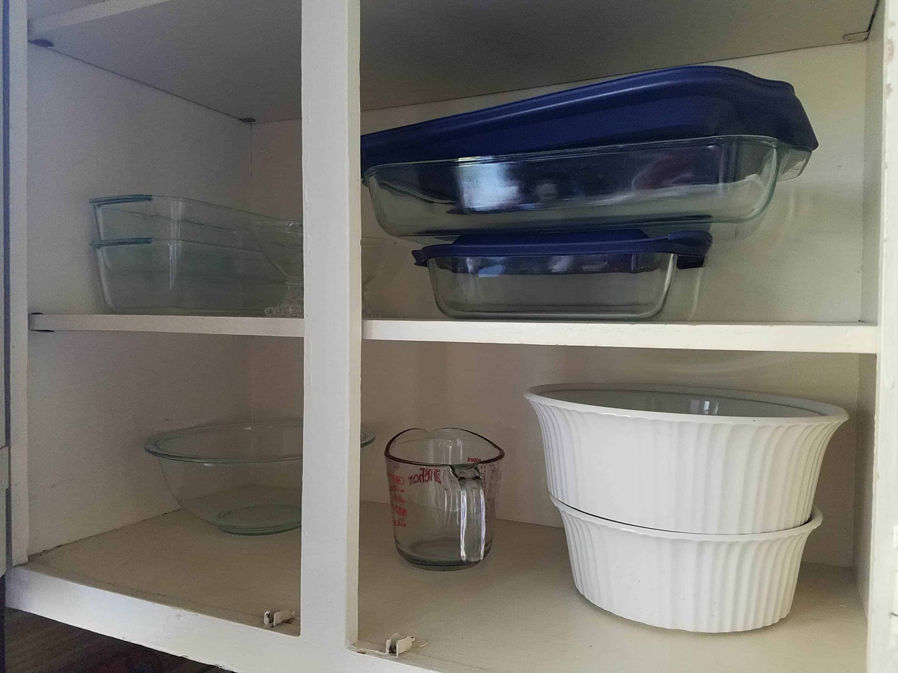 minimalist kitchen organization of baking dishes