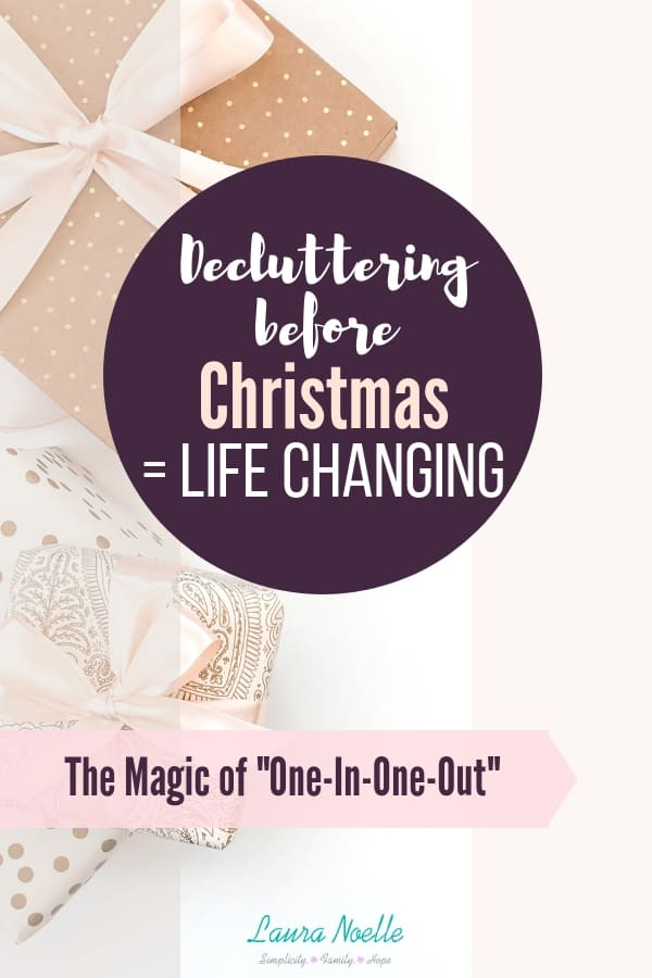 How to easily declutter for Christmas with the one-in-one-out rule so you can have a simpler Christmas! || home organization | kids toys | minimalist christmas | #simplechristmas #declutteringtips