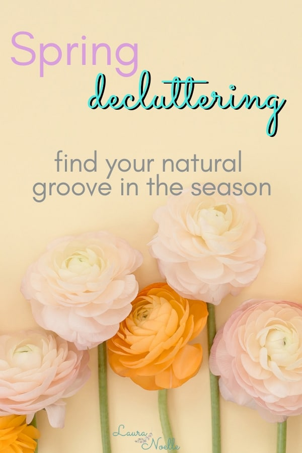 Learn pro tips for jumpstarting your minimalist home goals with seasonal spring decluttering! | seasonal decluttering | minimalism | home organization